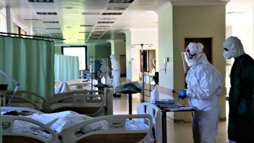 Elazığ Tabip Odası Başkanı'ndan korkutan açıklama: Servisler doldu, hekimler ölüyor