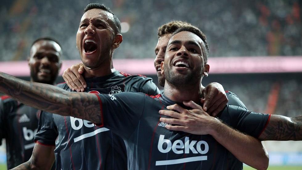 Beşiktaş'tan, Alex Teixeira'nın durumu hakkında açıklama