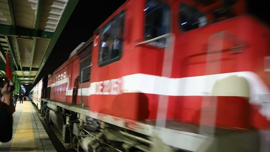 Zafer Treni 'Büyük Taaruz'un başladığı Afyon Kocatepe'ye ulaştı