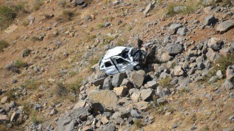 Düğüne giden araç kaza yaptı, anne ve çocuğu öldü,