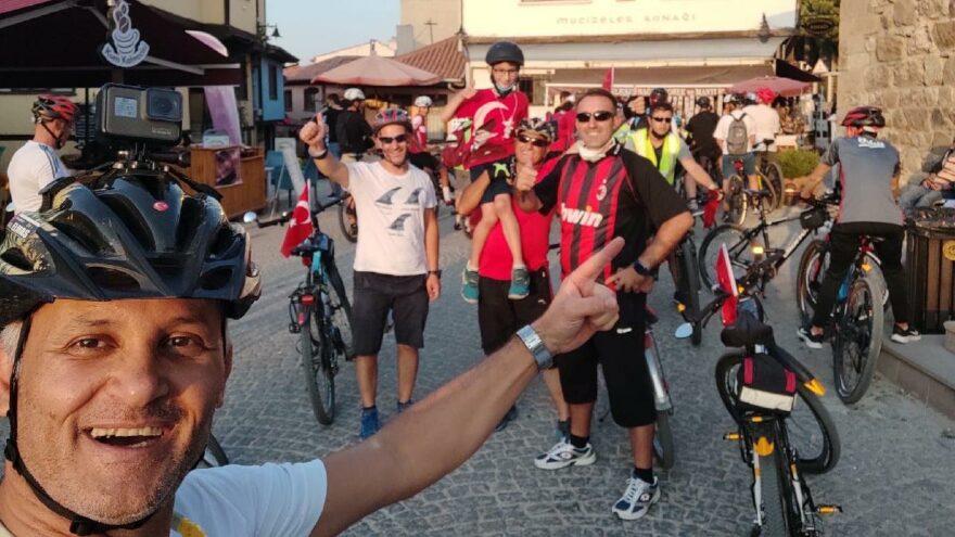 Bisiklet tutkunları 30 Ağustos Zafer Bayramı'nı pedal çevirerek kutladı