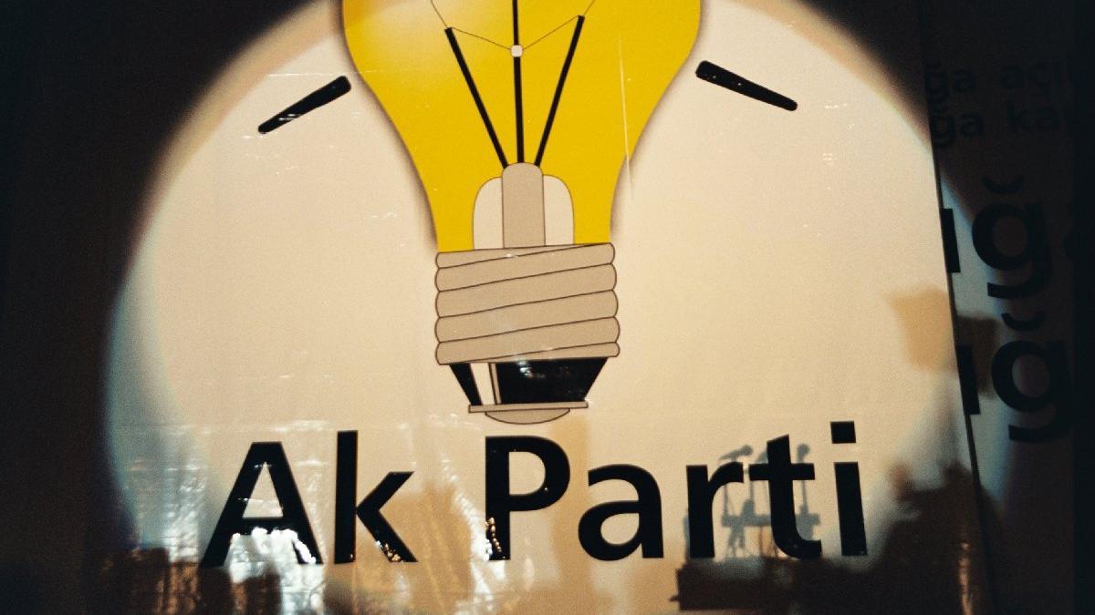 AKP'nin kurucularından Albayrak: Partide görev alanların yüzde 90'ı itirafçı olacak