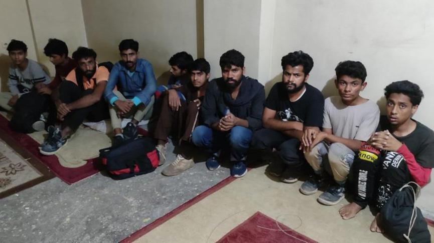 Van'da yakalanan 21 kaçak göçmen ile ilgili İran uyruklu 2 organizatör tutuklandı