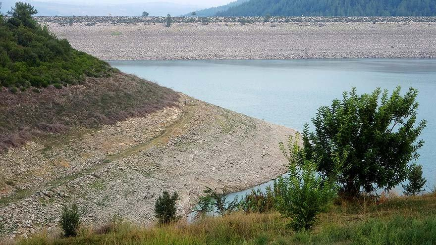 50 yıllık baraj alarm veriyor