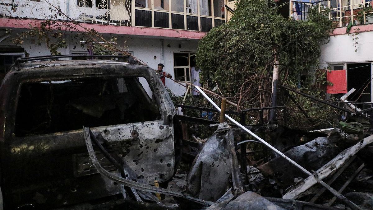 Afganistan'da son durum: Kabil Havalimanı'na beş roket... ABD'den ikinci saldırıyı önleyen hava operasyonu