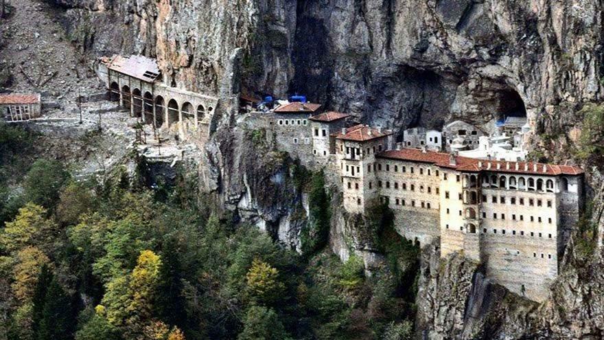 Sümela Manastırı'na ziyaretçi akını