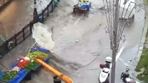 Tekirdağ'da 15 dakikalık yağış zor anlar yaşattı