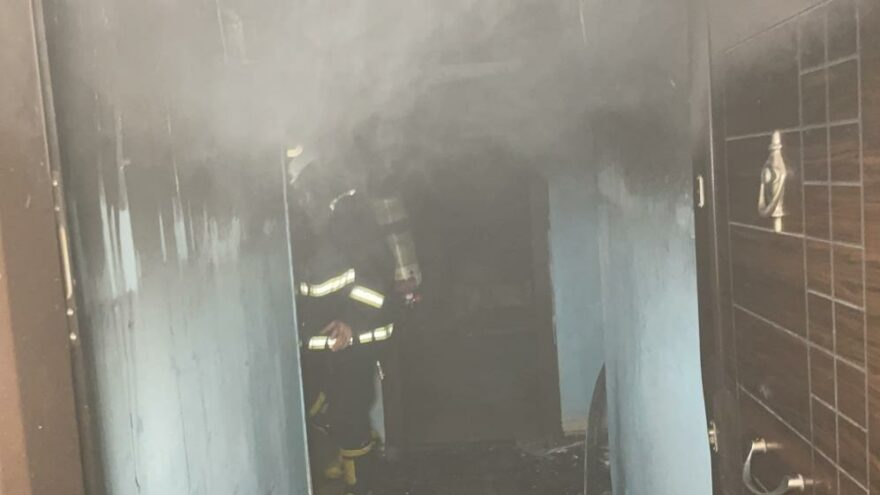 Buzdolabından çıkan yangın evi küle çevirdi