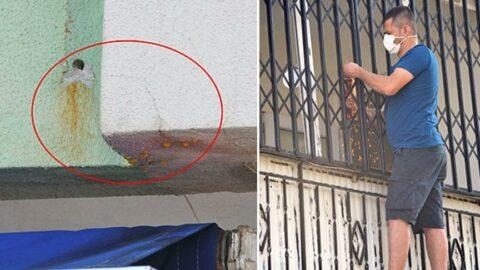 Esnaf duvardan akan sudan şüphelenince komşularının öldüğü ortaya çıktı