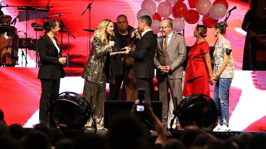 Ankara'da 30 Ağustos Hadise konseri ile kutlandı