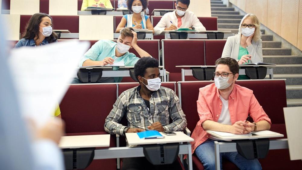 Öğrencisi maske takmadı, Profesör istifa etti
