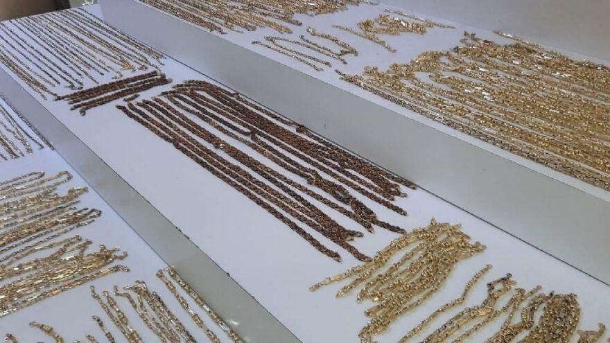 Çalıştığı atölyeden 4.5 kilogram altın çaldı; ikiziyle kaçtı