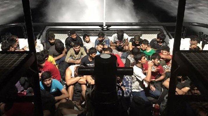 Bodrum açıklarında yelkenli teknede63 göçmen yakalandı