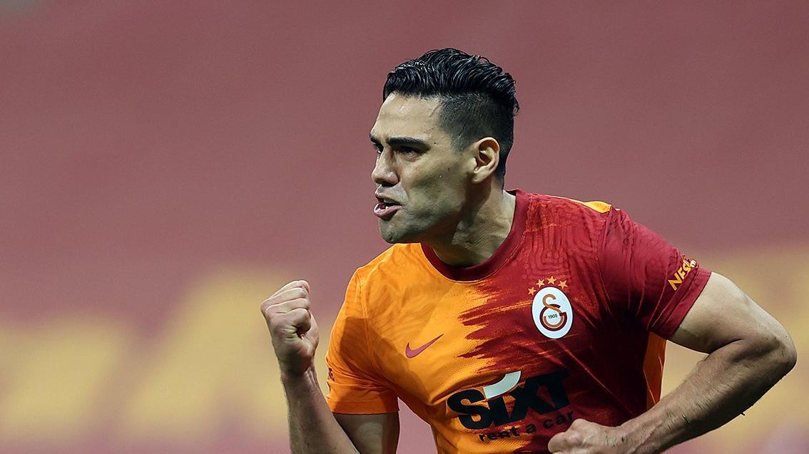 Galatasaray Falcao ile yollarını ayırdı! 3 milyon Euro ödenecek...