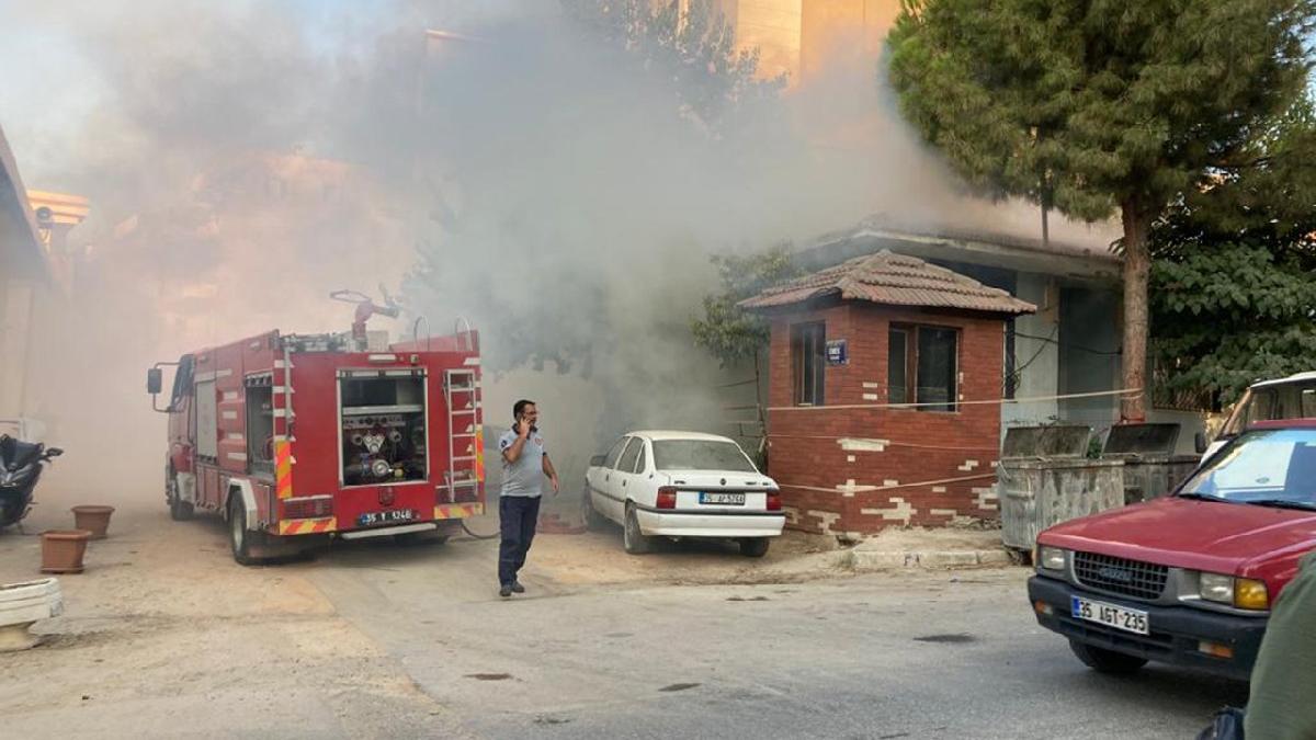 Yangına müdahale eden itfaiye eri alevlerin içine düştü