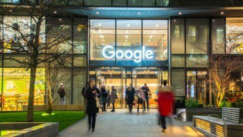 Google da ofislere dönüşleri erteledi