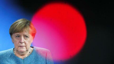 Merkel'den göçmen çıkışı: Adınız Klaus olmasa da Alman olabilirsiniz