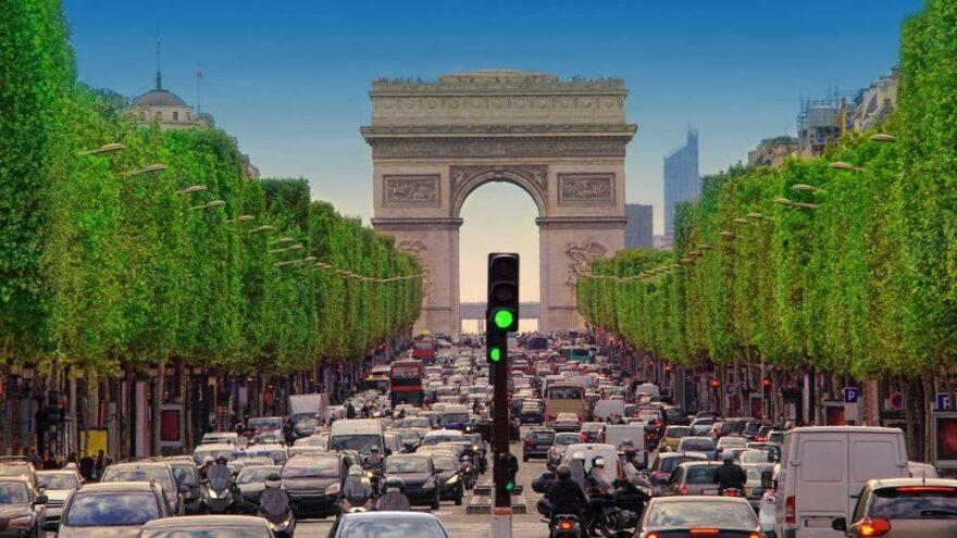 Paris'e hız sınırı getirildi: Sebebi çevre kirliliğini azaltmak