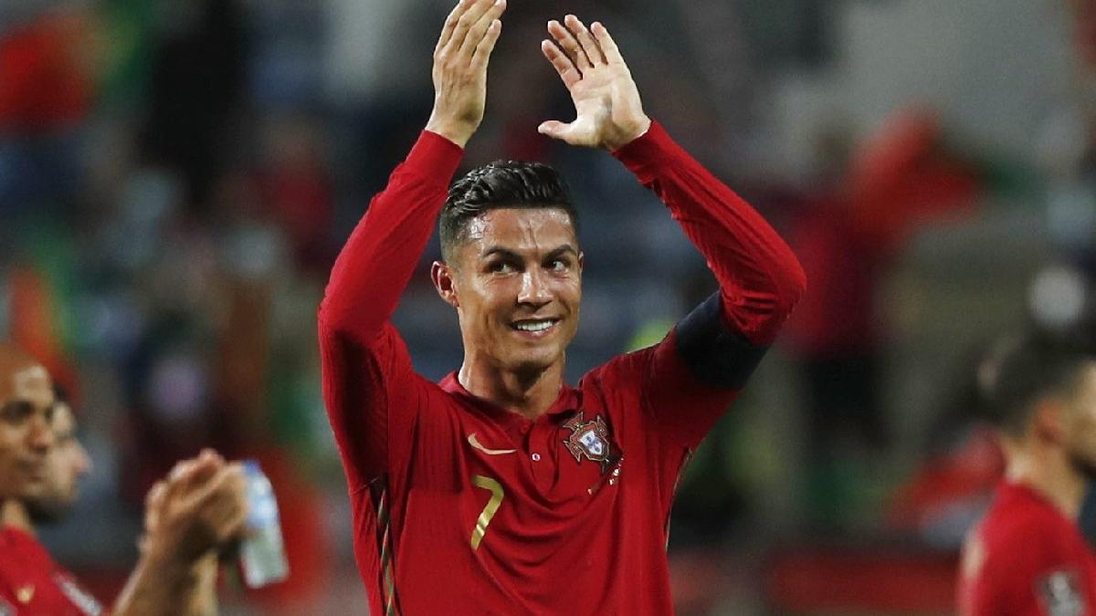Cristiano Ronaldo'dan bir rekor daha! Dünyanın 1 numarası oldu
