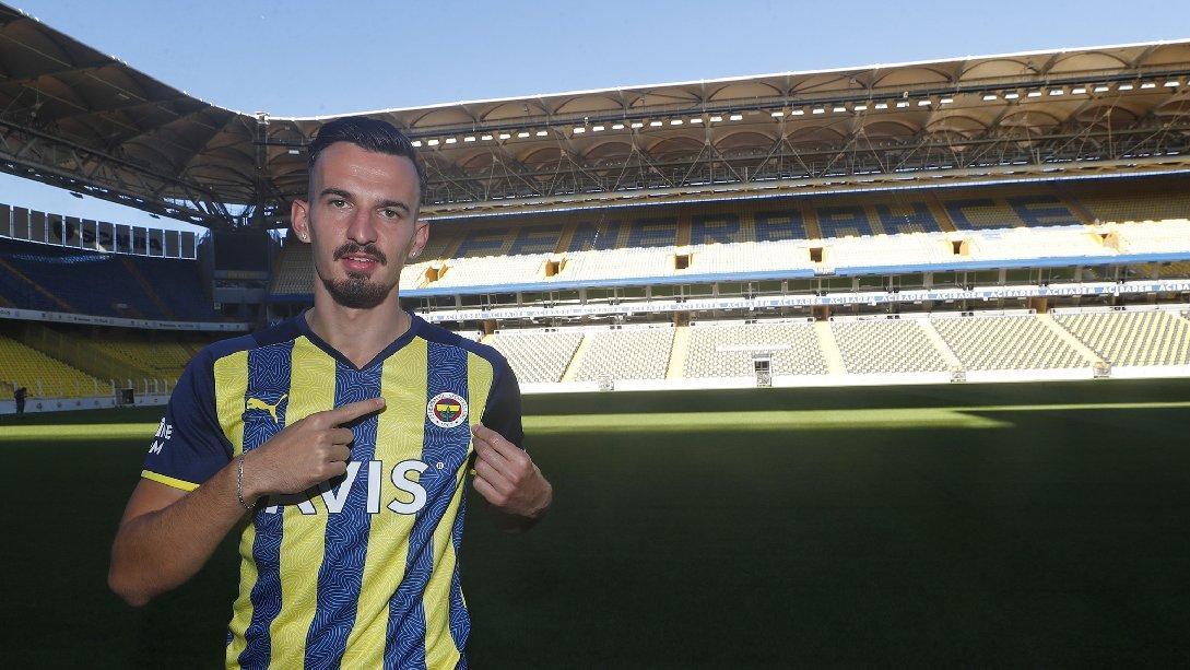Fenerbahçe beklenen forvet transferini duyurdu: Mergim Berisha