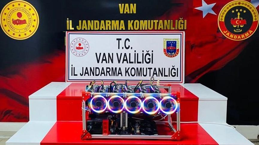 Van'da gümrük kaçağı kripto para üretim cihazı ele geçirildi
