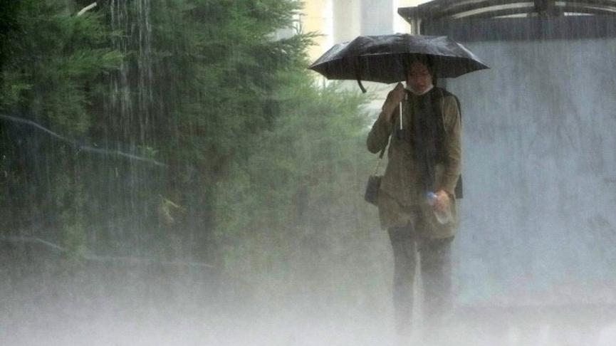 Meteoroloji'den İstanbul ve çok sayıda il için art arda rüzgar ve kuvvetli yağış uyarısı: Metrekareye 100 kilo bekleniyor