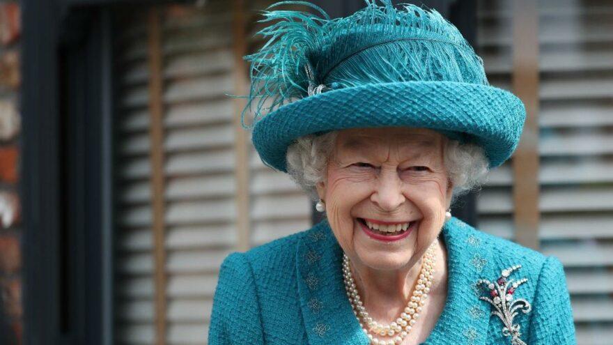 95 yaşındaki Kraliçe Elizabeth'ten bir ilk: Ronaldo ilk insan oldu