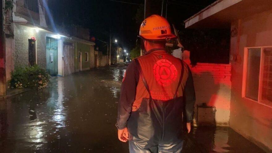 Meksika'yı sel vurdu