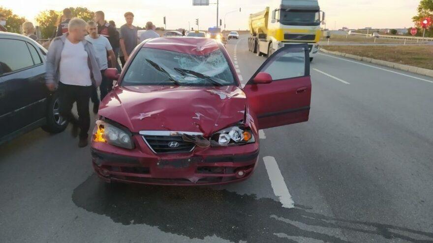 Tekirdağ'da otomobil motosiklete çarptı