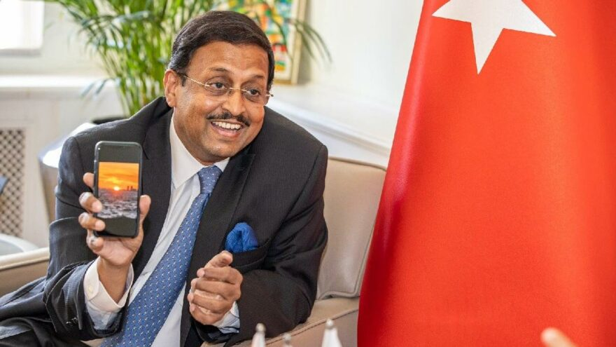 Hindistan Büyükelçisi Panda'nın İzmir hayranlığı