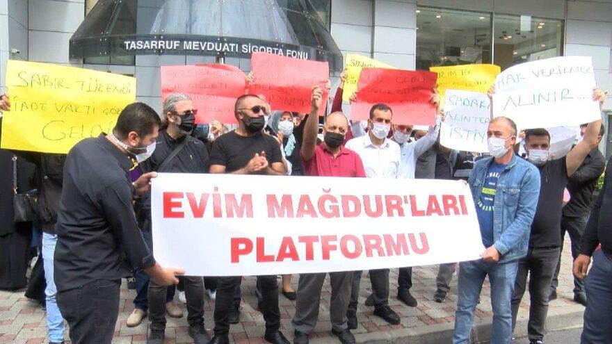 """""""Evim"""" mağdurları TMSF önünde eylem yaptı"""