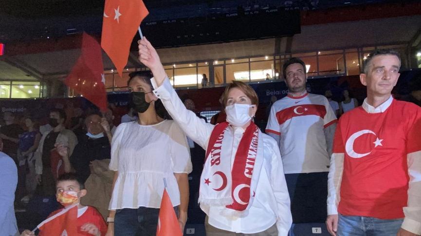 Meral Akşener'e 'Nasıl onlarla aynı yola girersin?' diye seslenen Erdoğan'a ilk yanıt tribünden geldi