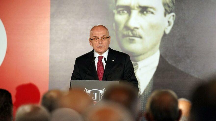 Tevfik Yamantürk: 'Türkiye'de parası olan her şeyi bildiğini zannediyor'