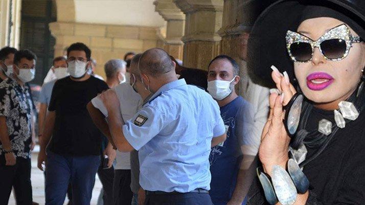 Bülent Ersoy'un orkestrasındaki 21 sanatçı bir haftadır Kıbrıs'ta mahsur