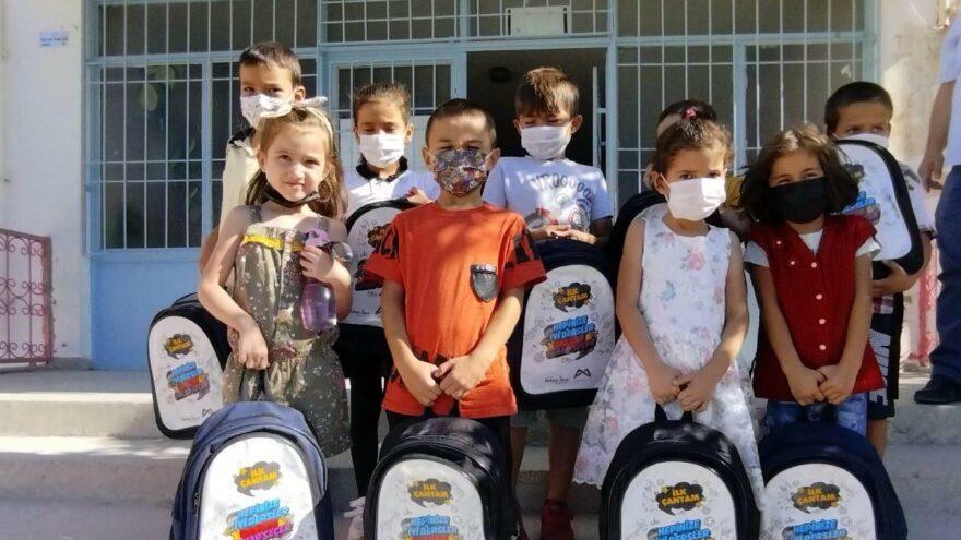Mersin Büyükşehir Belediyesi'nden öğrencilere yardım