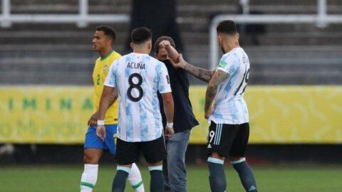 Brezilya Arjantin maçında kaos! Sahaya girip sınır dışı etmek istediler...