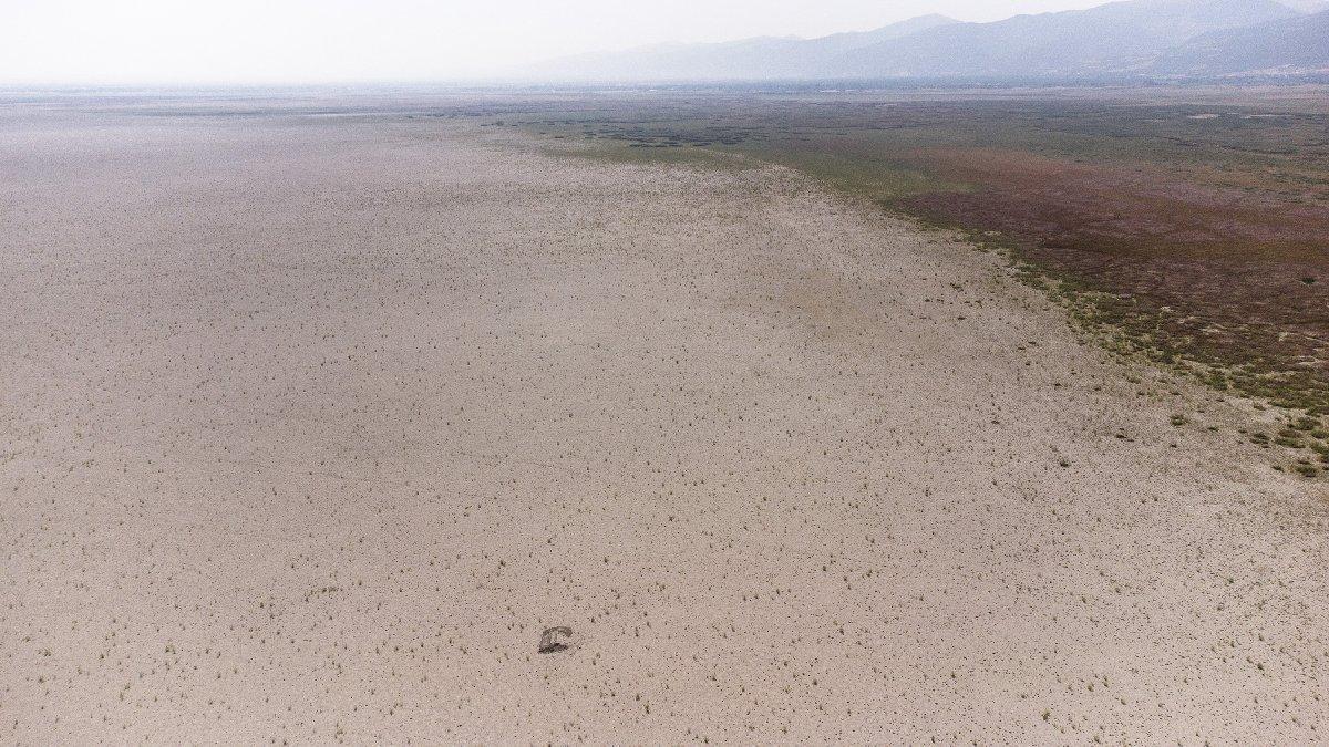 Anadolu'da bir göl daha tamamen kurudu