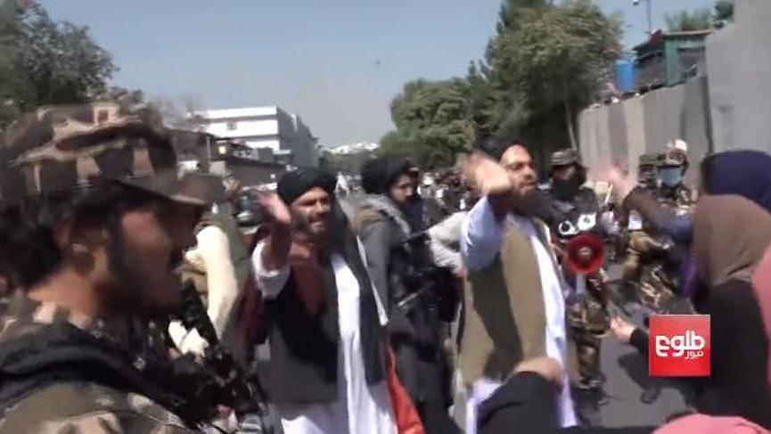 Taliban kadınların protestosunda şiddete başvurdu