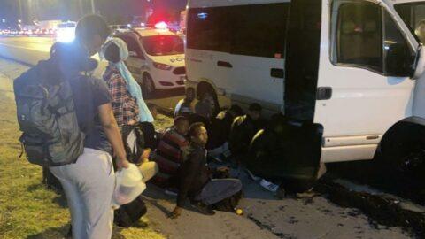 İstanbul'da minibüsten indirilirken yakalandılar