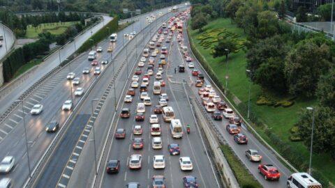 Okullar açıldı, trafik felç