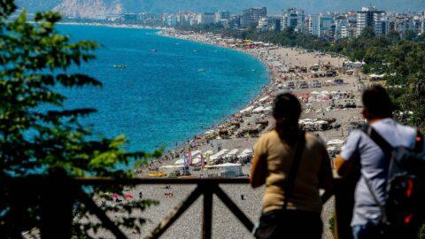 Okullar açıldı, sahiller boşaldı