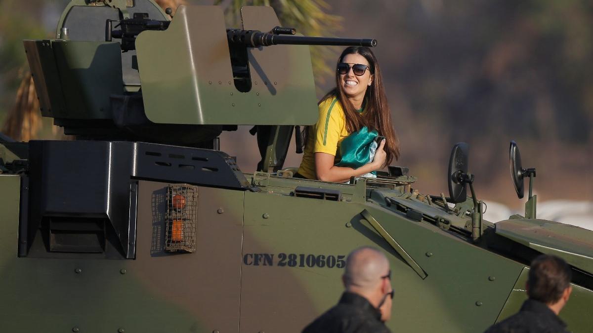 Brezilya'da sokaklar karıştı! Darbe söylentileri çıkmıştı...