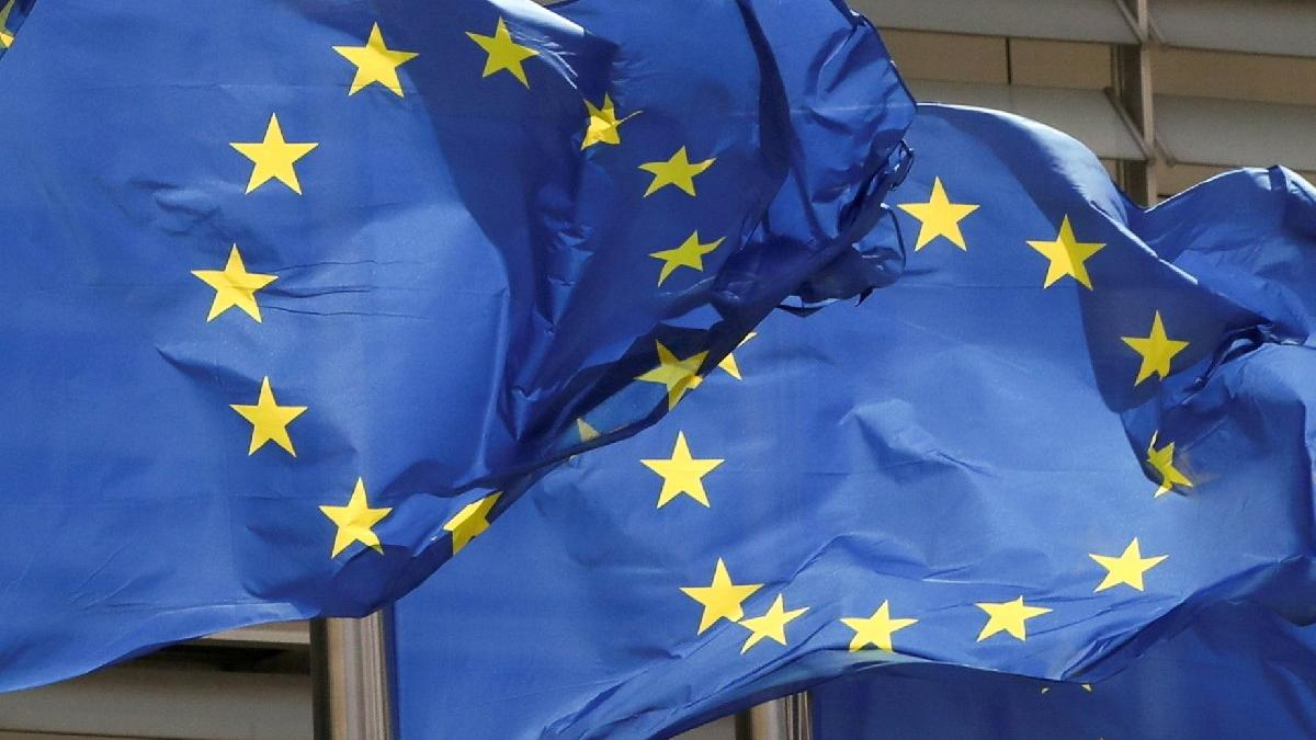 Avrupa Komisyonu'ndan 'Polonya'ya ceza' talebi
