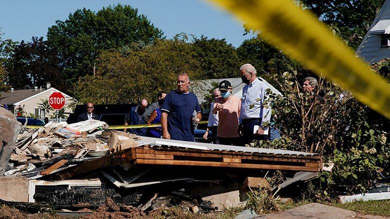 Joe Biden, Ida Kasırgası'ndan etkilenen New Jersey'i ziyaret etti