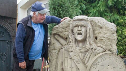 Cesur Yürek heykeli sosyal medyanın diline düştü