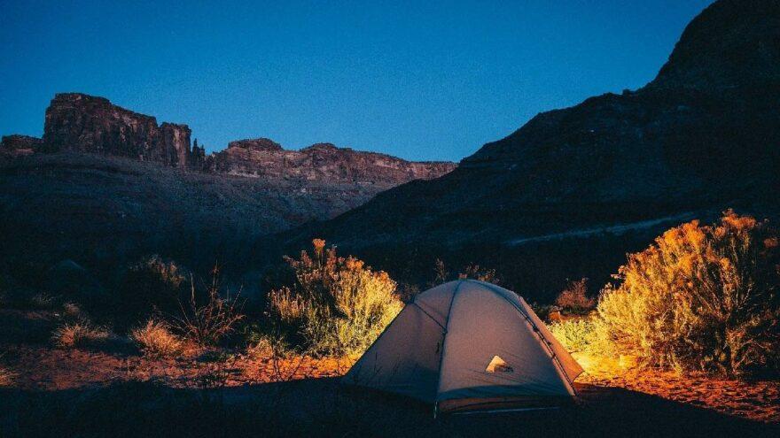 Sonbaharın kamp için en iyi zaman olduğunu gösteren 10 sebep