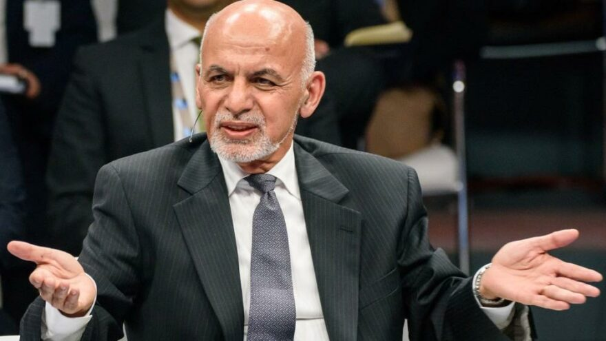 Afganistan'dan kaçan cumhurbaşkanı neden kaçtığını anlattı