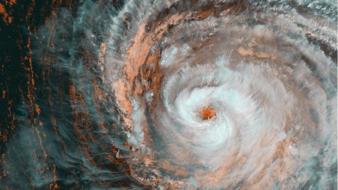 Ida'dan sonra Larry geliyor... Kasırga uzaydan görüntülendi