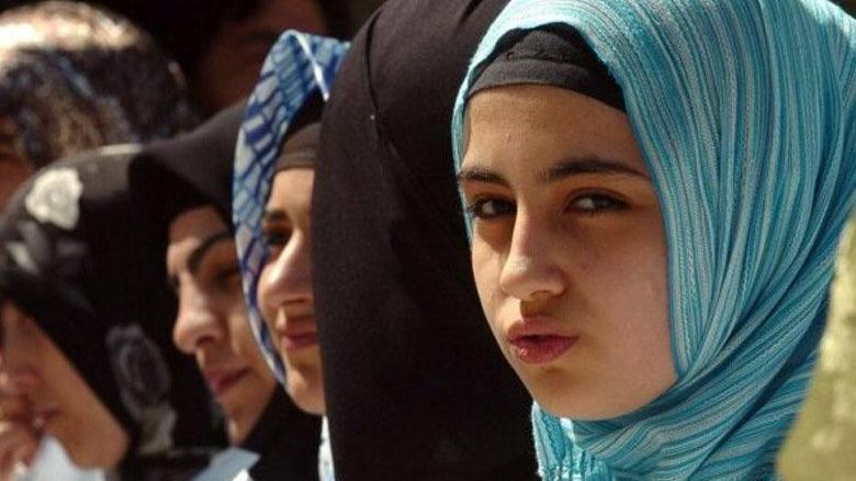 Özbekistan'da okullarda 1994'den bu yana yasak olan başörtüsü serbest bırakıldı