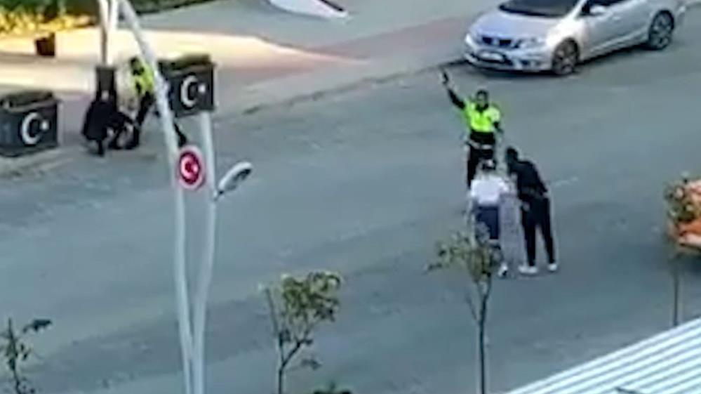 Polis kavgayı durdurmak için havaya ateş açtı